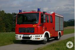 Neues Feuerwehrfahrzeug vorne
